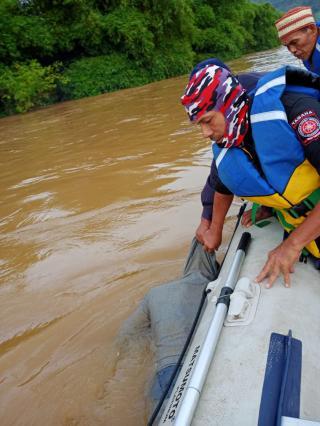 Hindari Pos Penyekatan Batas Provinsi Riau-Sumbar, 3 Dari 4 Pemudik Tenggelam Usai Nekat Naik Perahu