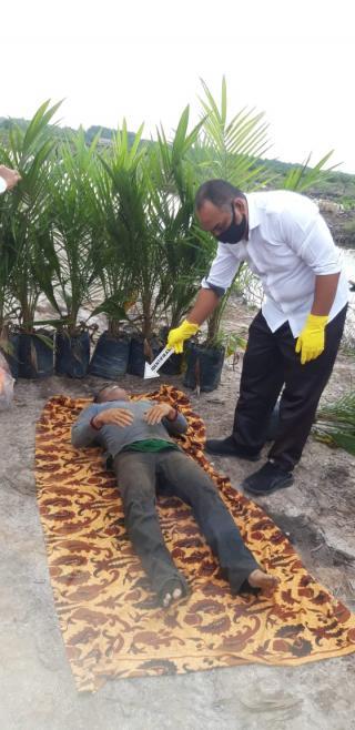 Warga Desa Delik Heboh Dengan Penemuan Sesosok Mayat di Sebuah Kanal Perkebunan Sawit