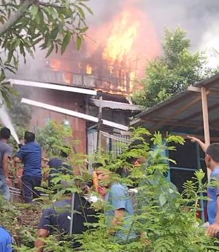 Sijago Merah Mengamuk, 13 Damkar Dikerahkan Serta 1 Unit Watercanon